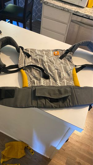 Tula baby carrier and infant insert for Sale in Nashville, TN