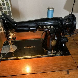 Singer 201 Vintage Sewing Machine for Sale in Modesto, CA