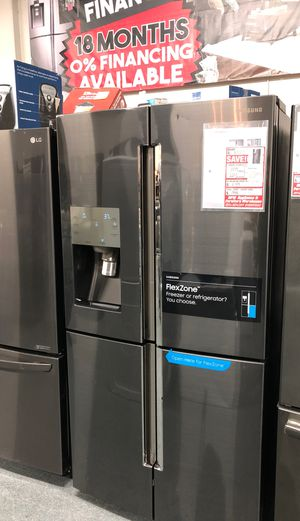 Fridge refrigerators for doors flex zone Samsung 28 ft.³ fingerprint resistant black stainless steel original price $3777 our price $1799 only for Sale in Oakland, CA
