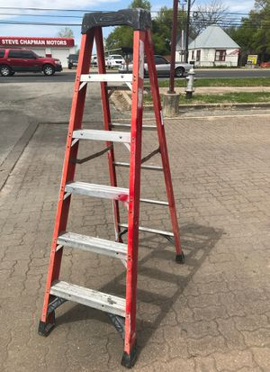 6FT Werner Fiberglas and aluminum ladder for Sale in Austin, TX
