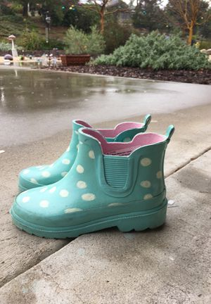 Girls rain boots 11/12 for Sale in Spring Valley, CA