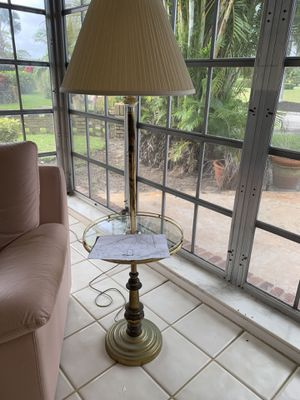 Floor lamp for Sale in Lake Worth, FL