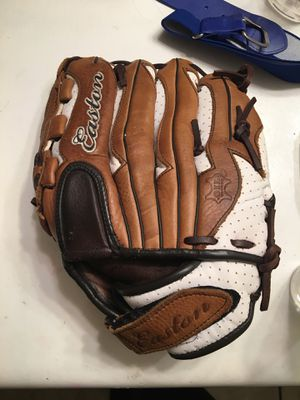 Glove for Sale in Phoenix, AZ