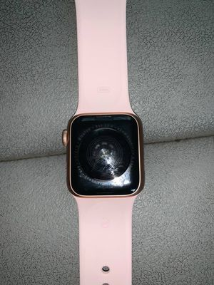 Apple Watch Series 4 42mm for Sale in Bronx, NY