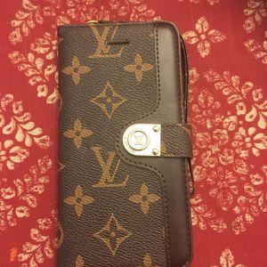 iPhone 11 Wallet Case for Sale in Midlothian, VA