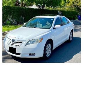 White 2009 Toyota Camry XLE for Sale in Garland, TX