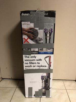 Dyson cinetic big ball vacuum purple for Sale in Dearborn, MI