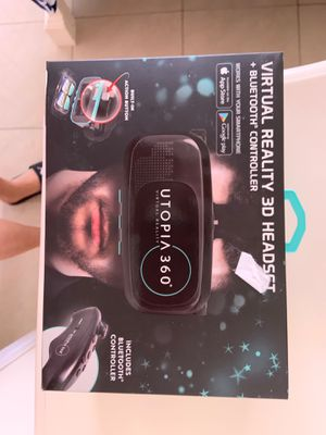 Virtual Reality 3D Headset for Sale in Miami, FL