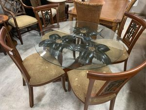 Exquisite Palm Tree Dining Set for Sale in Vero Beach, FL
