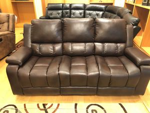 Reclining sofa and loveseat set for Sale in Dallas, TX