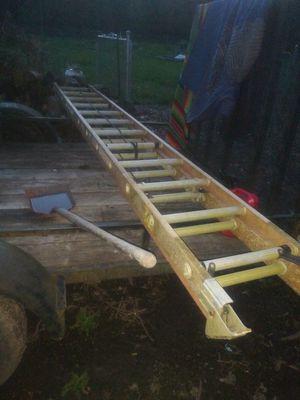 28 ft fiberglass ladder for Sale in Portland, OR