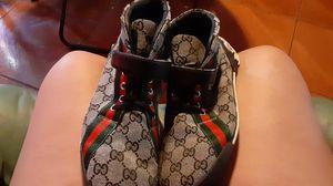 Gucci shoes size 9 1/2 for Sale in Treasure Island, FL