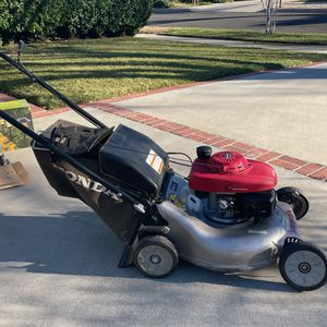 Honda Lawn Mower for Sale in Los Angeles, CA