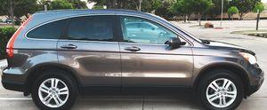 2O1O Honda CR'V - Looks amazing ! for Sale in Wichita, KS