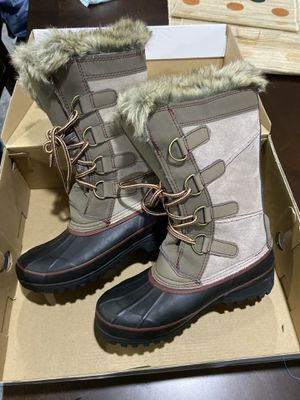 KHOMBU snow boot women size 6 for Sale in Skokie, IL