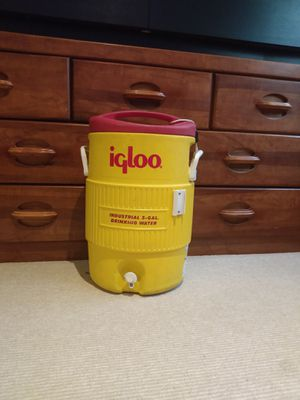 Igloo Water Cooler for Sale in Washington, DC