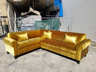 NEW 7X9FT VELVET GOLD FABRIC SECTIONAL COUCHES for Sale in Long Beach,  CA