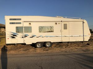 2005 Weekend Warrior Toy Hauler for Sale in Lodi, CA