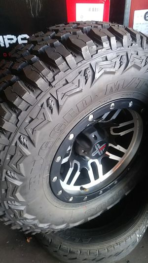🔆Used wheels 15x8 bolt pattern 5/5 for jeep and old Chevy with LT 31x10.50 R 15 M/T🔆 for Sale in Phoenix, AZ