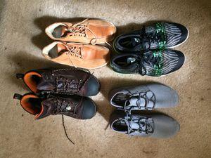 Se venden zapatos para hombre size 11 las botas son Timberland para trabajar tienen casquillo al frente $225 x todos for Sale in Raleigh, NC