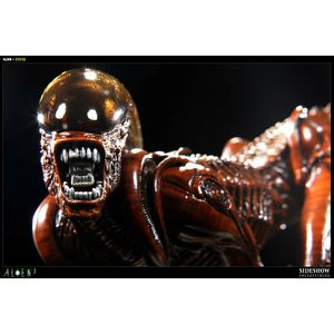 Sideshow Collectibles Alien Dog statue for Sale in Los Angeles, CA