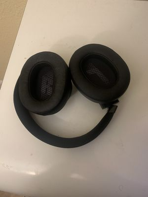 JBL 500 Live BT (Wireless Bluetooth Over the ear Headphones) for Sale in North Lauderdale, FL