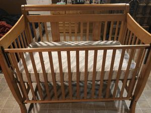 """GRATIS""Cuna con camita... crib with mattress ""FREE"" for Sale in Salinas, CA"