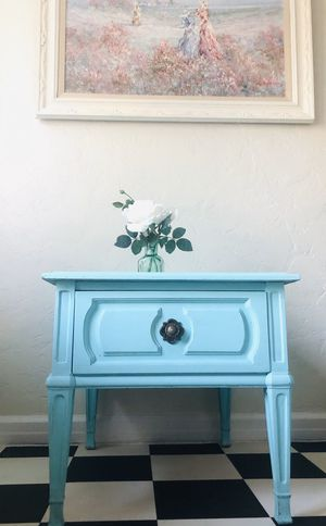 Turquoise end table or nightstand by Thomasville for Sale in Phoenix, AZ