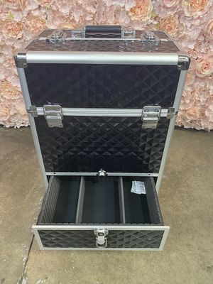 3-in-1 Professional Aluminum Artist Rolling Trolley Makeup Train Case 🧡🧡🧡 for Sale in Pomona, CA