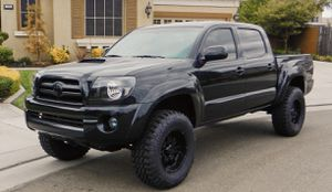 Selling Gorgeous 2007 Toyota Tacoma Clear titile for Sale in Agawam, MA