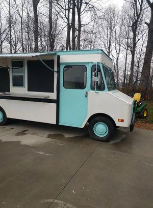 1984 Chevrolet P30 6.2L Diesel Food Truck for Sale in Glen Allen, VA