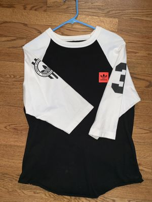 Size M Adidas Originals baseball tee for Sale in Columbine Valley, CO