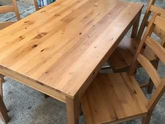 "Dining Table With 4 Chairs Solid Wood In Excellent Condition Like New Open Box 📦 46.5"" W x 29"" D X 29"" H U for Sale in La Mesa,  CA"