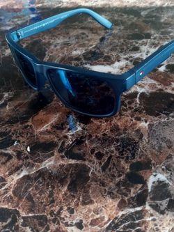 Tommy Hilfiger Sunglasses for Sale in Las Vegas,  NV