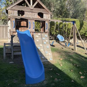 FREE Kids play set (Buyer Confirmed. If Things Change By This Friday for Sale in Monte Sereno, CA