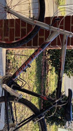 Specialized Mountain bike for Sale in Washington,  DC