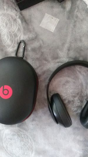 MONSTER BEATS BY DRE BLUETOOTH STUDIO3 for Sale in Portland, OR