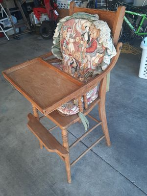 Vintage Antique Baby Childs Wooden High Chair for Sale in Redlands, CA