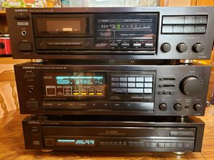 Onkyo R1 stereo system with Remotes for Sale in Seattle, WA