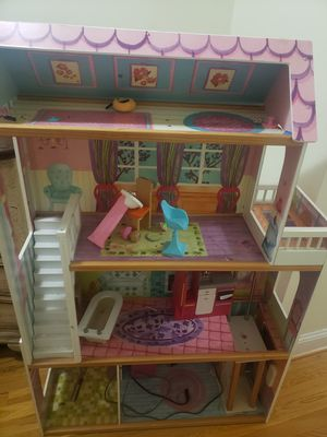 KidKraft Dollhouse . for Sale in Fort Washington, MD