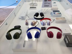 Beats solo 3 wireless for Sale in Orlando, FL