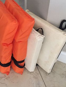 2 Life Jackets 2 Trowable Cushion for Sale in Cape Coral,  FL