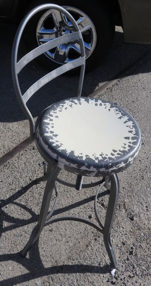 BAR STOOL. ALL METAL. ANTIQUE LOOK. FOLDING BACK. GREAT CONDITION. VERY CONFORTIABLE. for Sale in Riverside, CA