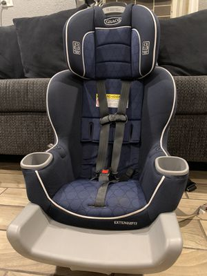 Graco Exten2fit convertible car seat for Sale in Riverside, CA