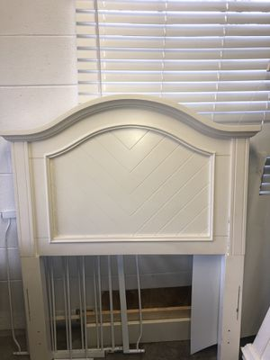 Twin sized bed for Sale in St. Cloud, FL