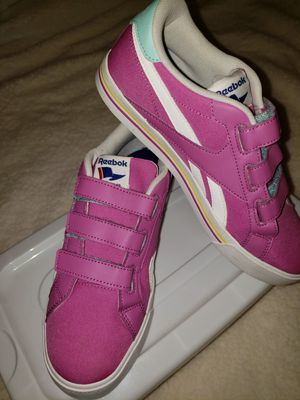 Nwob sz 7 Reebok classic with straps for Sale in Lake Alfred, FL