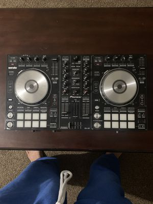 PIONEER DJ CONTROLLER MODEL DDJ-SR for Sale in Lithonia, GA