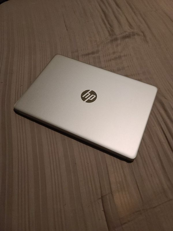 "14"" HP laptop AMD APU, 4GB RAM, 128GB SSD, Like New"