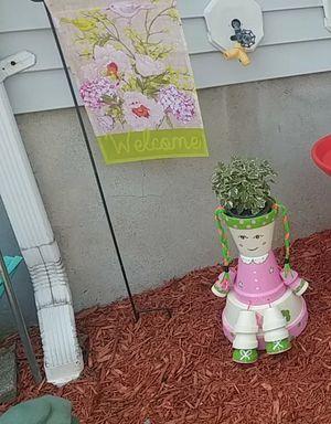 Flower pot for Sale in East Providence, RI