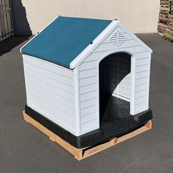 """$140 (new) plastic dog house x-large size pet indoor outdoor all weather shelter cage kennel 42x40x45"""" for Sale in El Monte,  CA"""